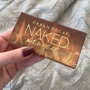 Urban Decay Naked Petite Heat 💥